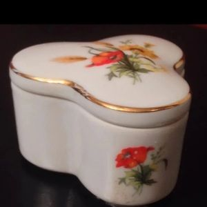 Vintage Lefton Farmhouse Trinket Box
